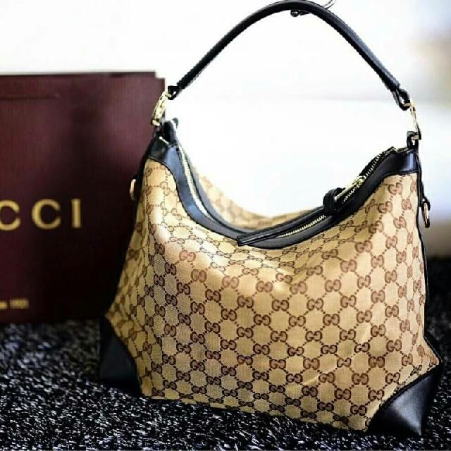 Gucci Gg Nice Supreme Hobo Bag