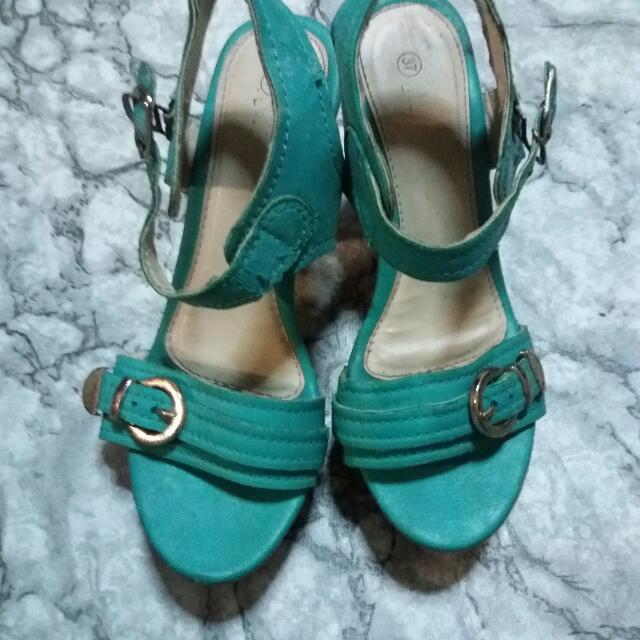 high heels sandals