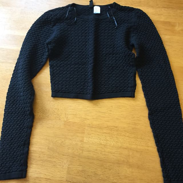 H&M Cropped Long Sleeve Textured Sweater