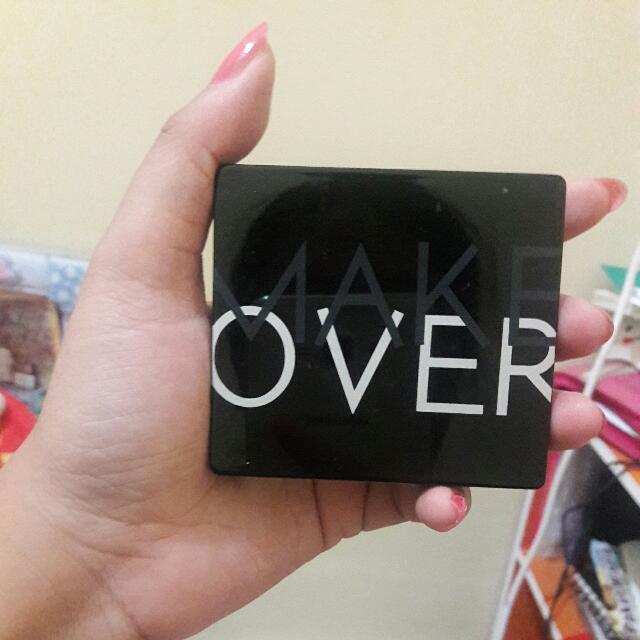 Make Over Trivia eye shadow