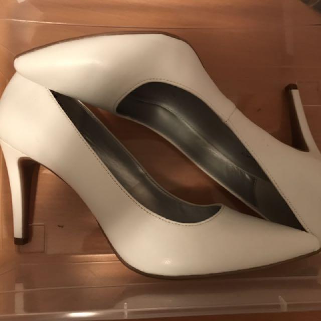 Nine West White Heels Size 9