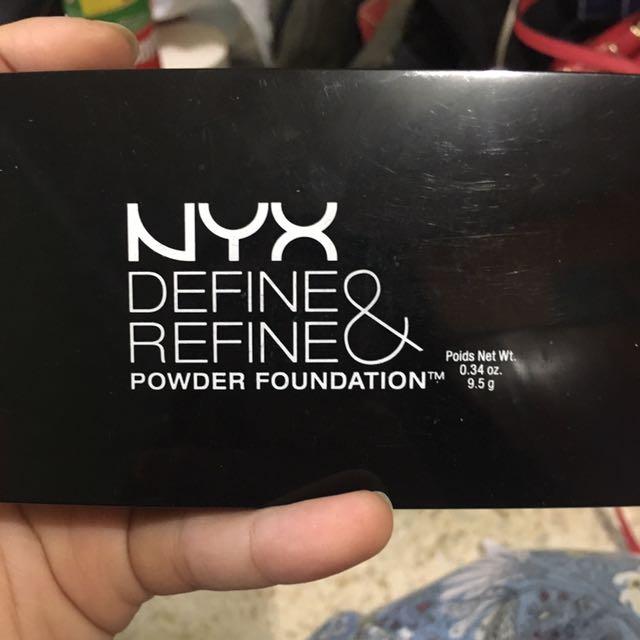 Nyx Refine & Define Powder Foundation
