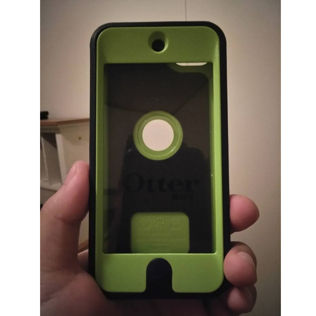 Otterbox Defender Case for 5th/6th Generation iPod Touch