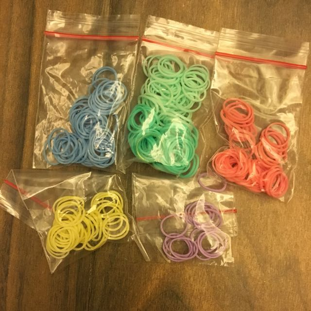 OFFICIAL Rainbow Loom (Pastel Bands)