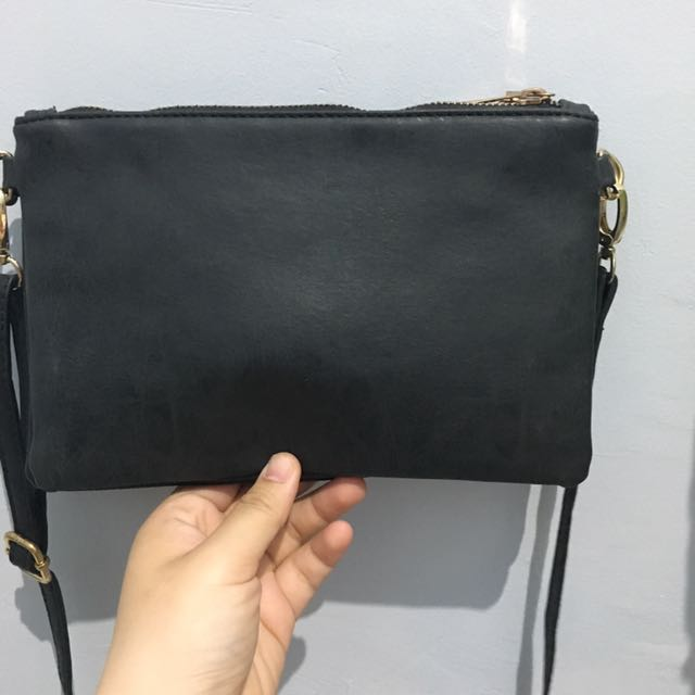 Sling bag by rubi