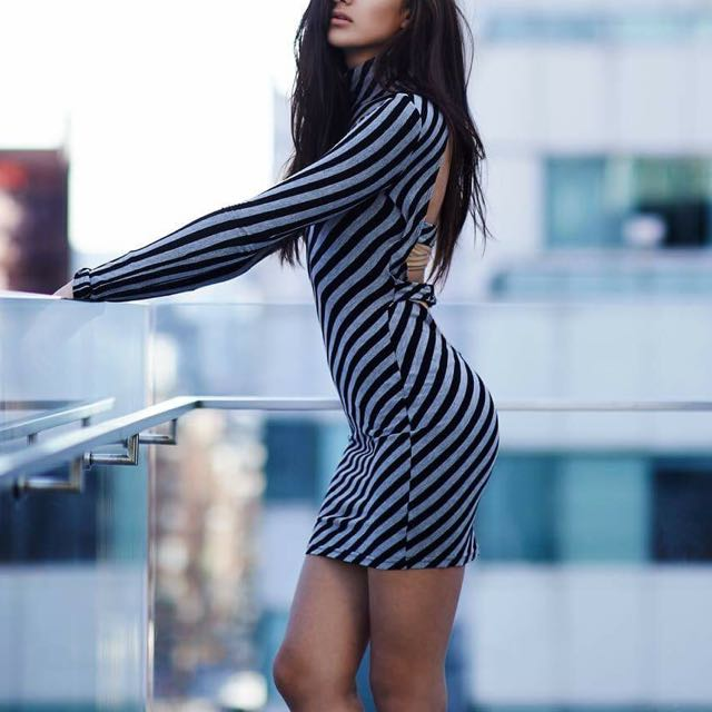 GUESS: Bodycon Dress - Size Small