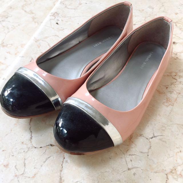 """""""Studio Nine"""" Flatshoes"""