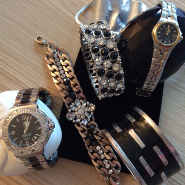 Watches/bracelets