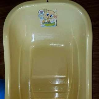 Bath Tub And Potty Trainer Set