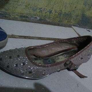 Sepatu Cuantik
