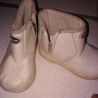 Sepatu22