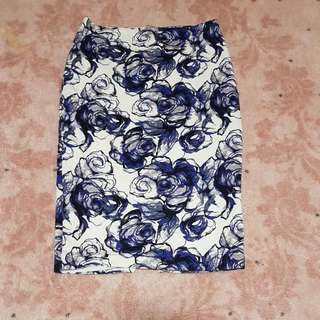Seed Floral Skirt- Size M #uobpaynow