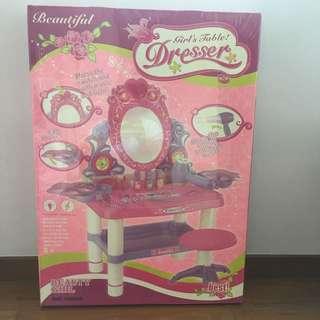 Girls Table Dresser