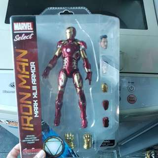 MS Marvel Select Mark 43 Ironman Iron Man Tony Stark MISB New mint in box Age of Ultron Avengers NOT Used Hasbro Toybiz Toy biz Neca MCF Mcfarlane JLA Justice A Force