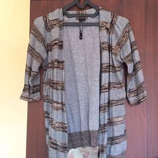 Striped Cardigan (Kardigan Garis-garis)