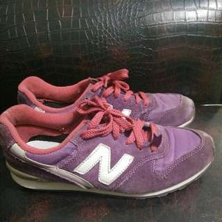 New Balance purple Sneaker