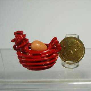 Dollhouse Miniature : A Red Egg Basket With 4 Eggs