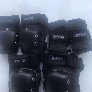 Sanction Skate Pads Size Small