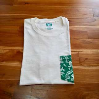 Uniqlo Tshirt / Kaos Hawaiian Edition