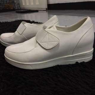 White Shoes (heels inside)