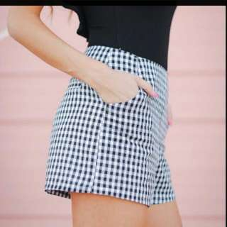 REDUCED PRICE to $18 from $28. #dotti lovely #shorts #size8 - #size10. #neverworn. #checkered #brandnew #trousers #sizemedium