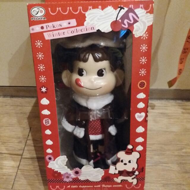 2010日本不二家牛奶妹peko冬季大型公仔娃娃