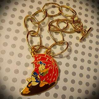"Vintage Disney Donald Duck "" Walking In The Rain "" Charm W/Bracelet  迪士尼唐老鴨吊嘴限量 5000 絕版配手鍊"