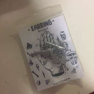 Hippie Gun Earring