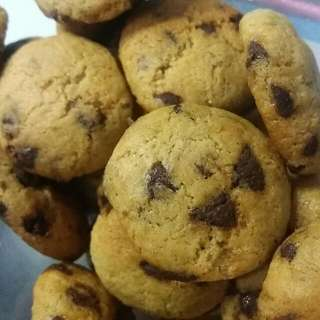 Chewy Chocolate Chip Cookies!!