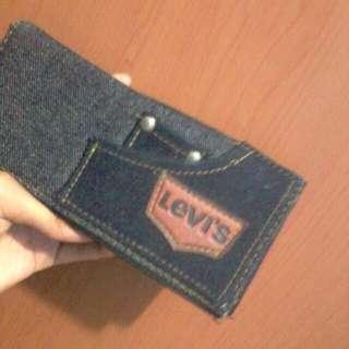 Dompet Levi's