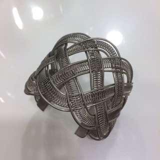 寬版麻花編織手環