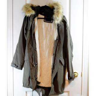 RW&CO - BRAND NEW - Parka Coat With Detachable Hood And Lining - Size Medium