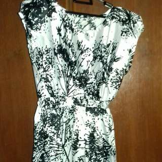 Mini Dress Hitam Putih