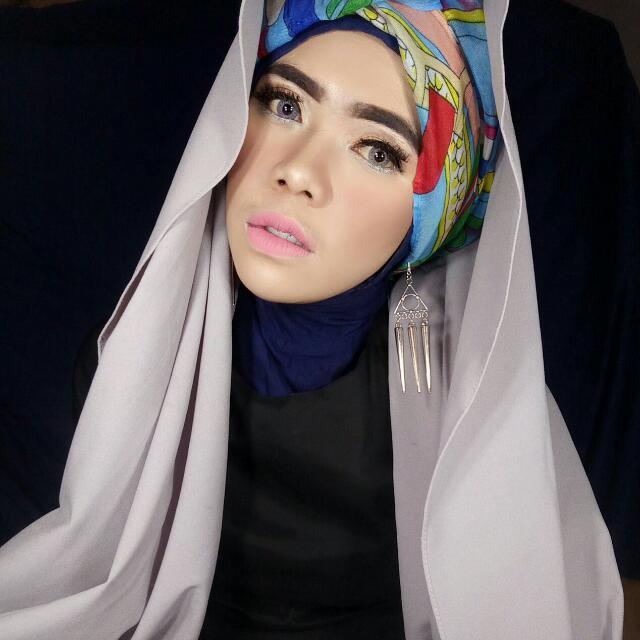 Anting Hijab