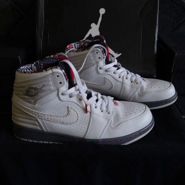 huge selection of 7ed7a f3c44 sepatu Air Jordan 1 Retro 93 Bugs Bunny, Men s Fashion, Men s Footwear on  Carousell