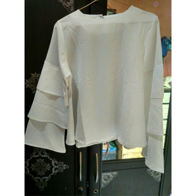 Baju Putih (Broken White)