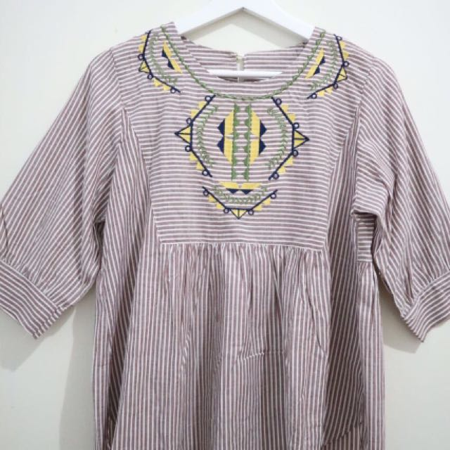 Blouse Embroidery Mosaic