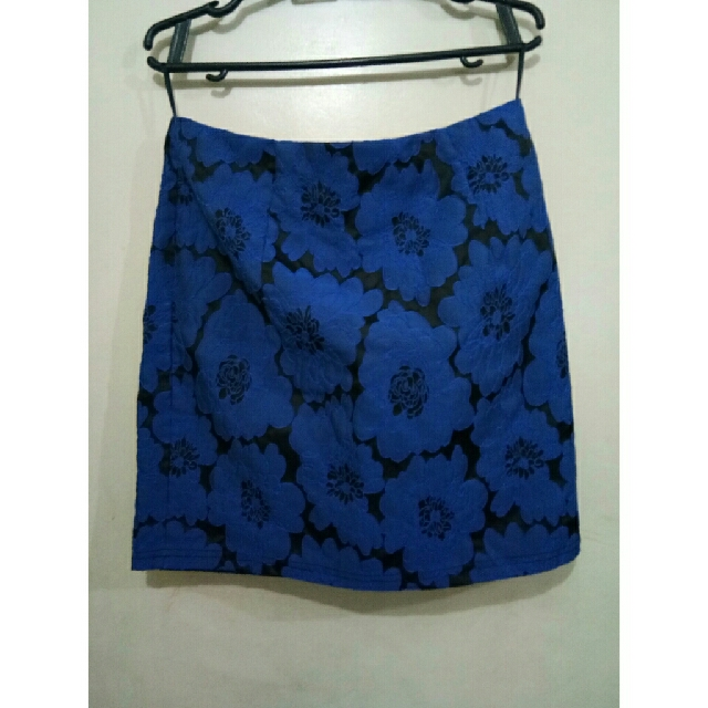 blue&black skirt