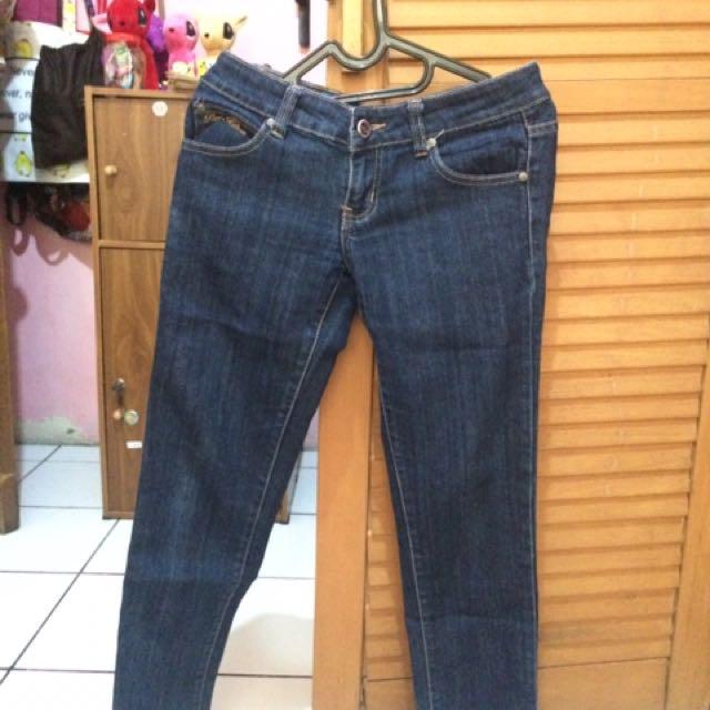 Celana Jeans Paris Hilton