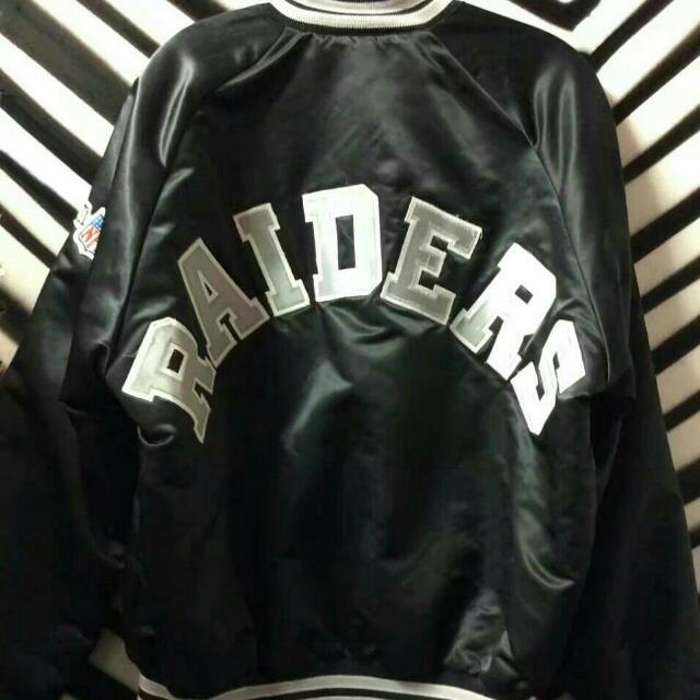 buy popular 1c6a5 bb9a8 Chalk Line NFL Raiders Jacket Ol'skool, Men's Fashion, Men's ...