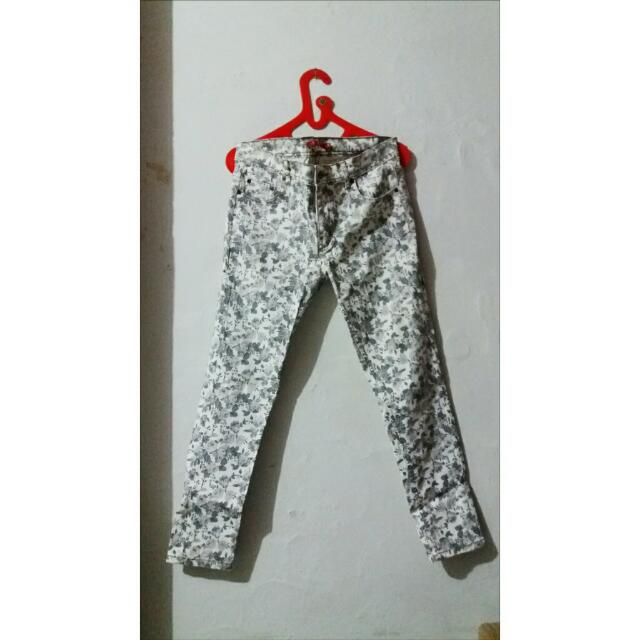 Connection Pants With Flower Tiles