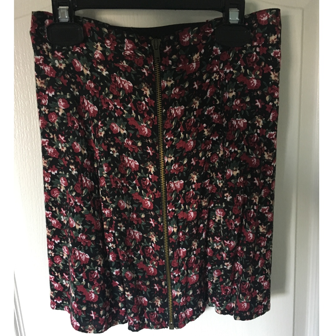 Floral miniskirt, Urban Outfitters (S)