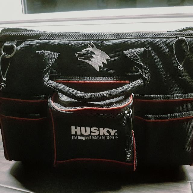 Husky 18 in Large Mouth bag with tool wall
