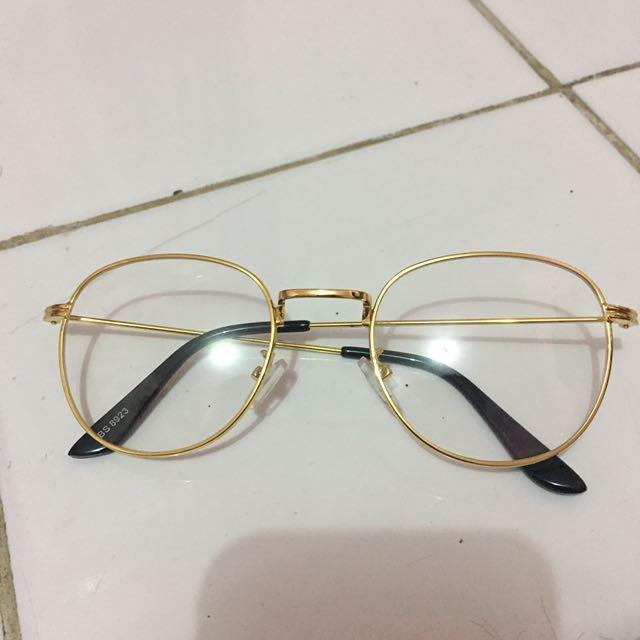 Kacamata Gold ala Gitasav