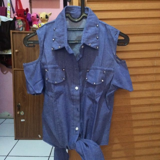 Kemeja Jeans Studded