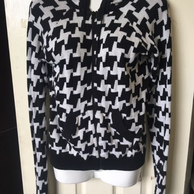Knitted Hoodie Size 8