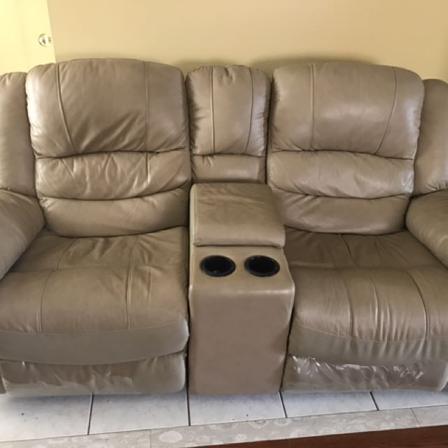 Leather Reclinable Couch
