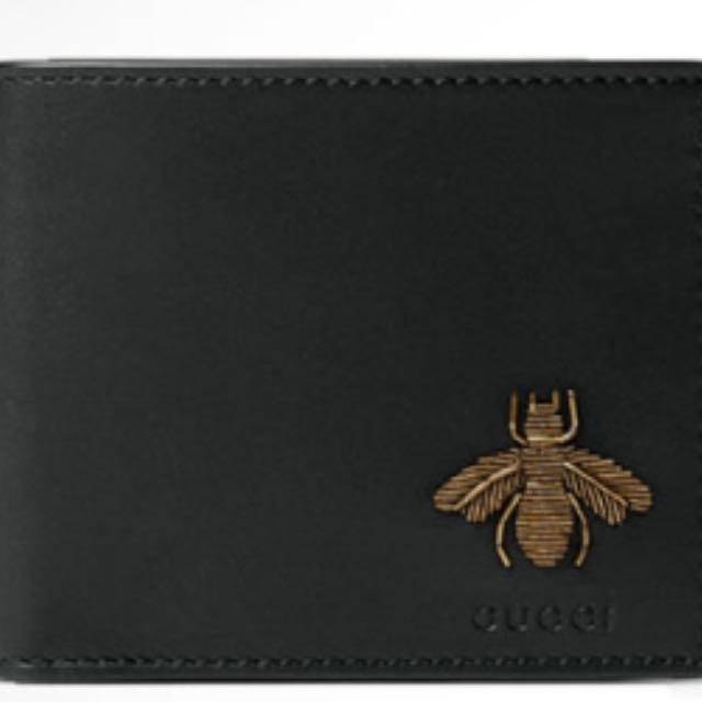 5fca19cae LF>Gucci Bee Men Wallet, Bulletin Board, Looking For on Carousell