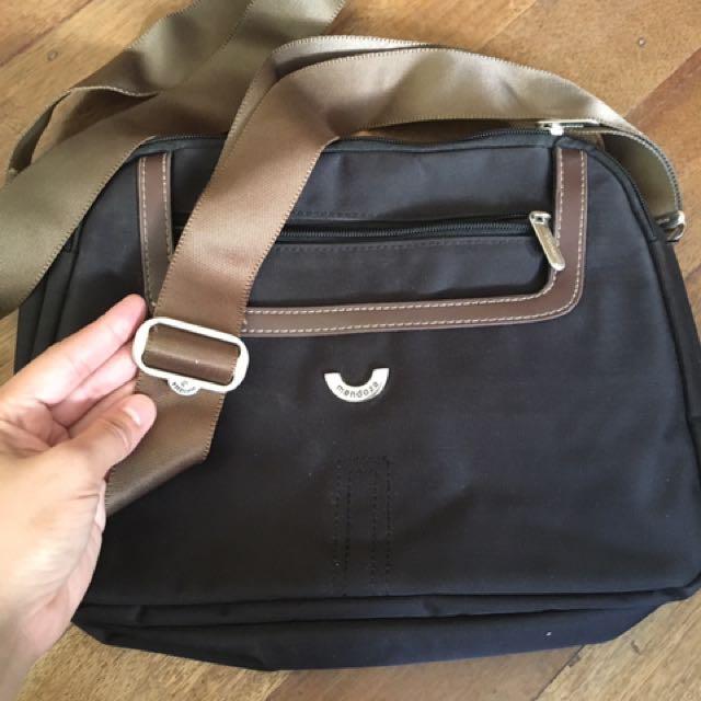 Mendoza sling bag
