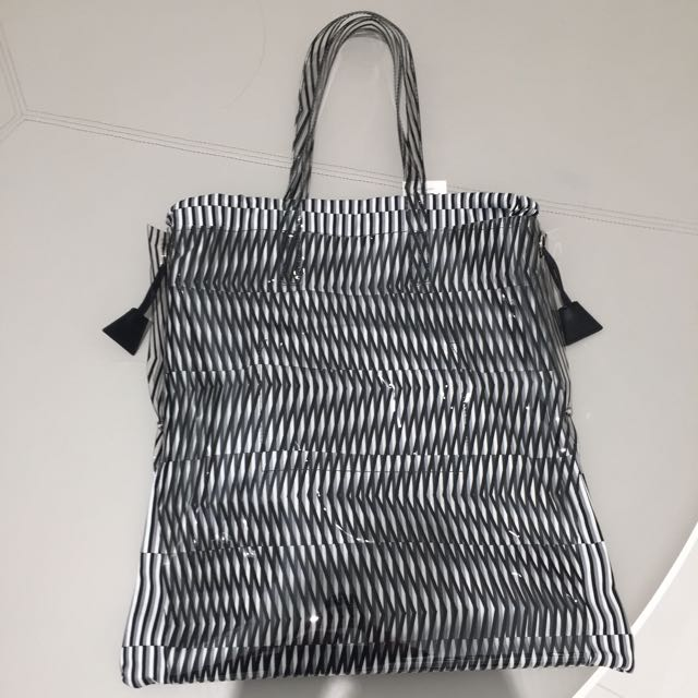 PLEATS PLEASE Issey Miyake Moire Bag 2761315e1b784